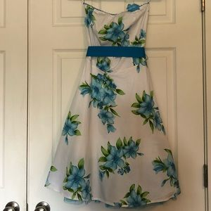 Blue flower strapless dress